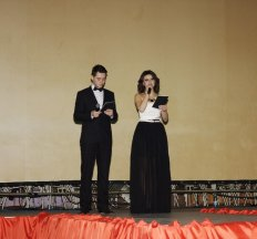 Обрядовиця, ведуча виїзних весільних церемоній