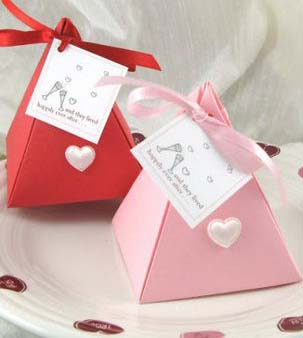 Бонбоньєрки. Подарунки гостям на весіллі. Цікаві ідеї та поради d2f818172f389