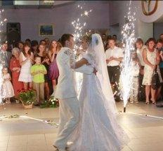 Класний Тамада з Супер музикою на Весілля .