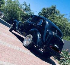 Юліан оренда ретро авто 1947