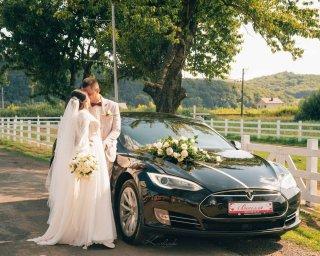Весільне авто TESLA mosel S